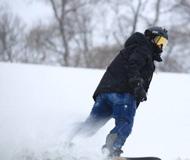 卡纳瓦罗晒滑雪照 动作潇洒帅气逼人