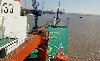 举力5万吨民用半潜船服役