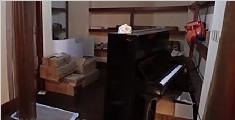 女子花6万买假雅马哈钢琴 用车堵店门彻夜蹲守