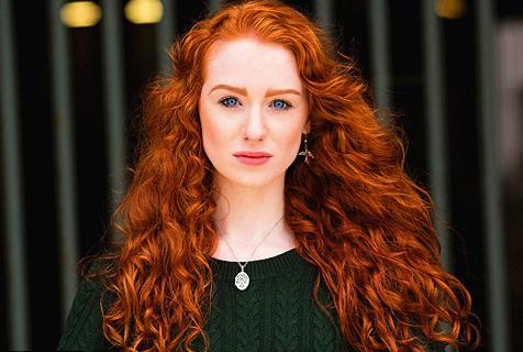 美摄影师出版人像影集展现红发之美