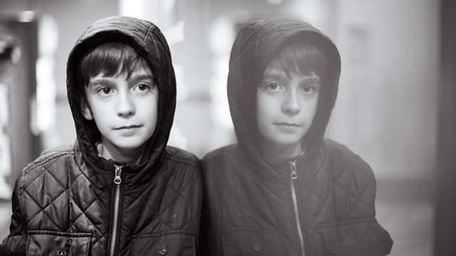 母亲为自闭症儿子拍摄照片 把儿子的自闭症变成艺术