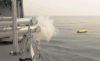 北海舰队驱逐舰发射鱼雷瞬间
