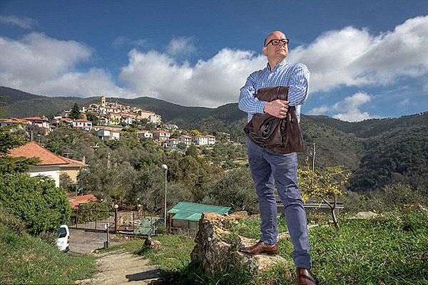 意大利村庄独立成小国 王位7年选一次