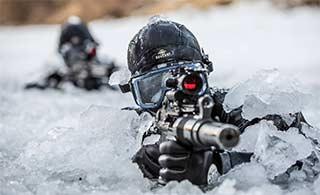 韩特种兵极寒条件下训练