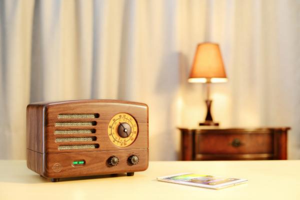 从默默无闻到销量猛增 猫王收音机受年轻人追捧