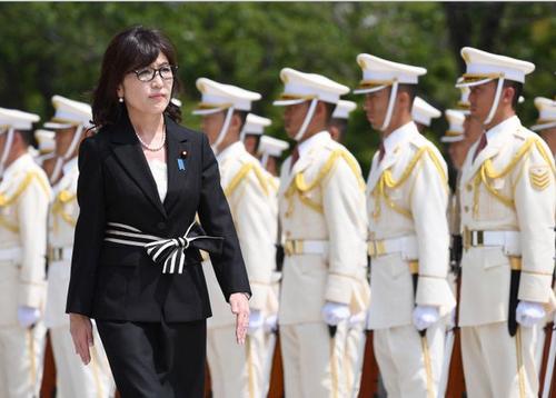 日本女v无码_日本女防卫相的首相之路被堵死了吗?