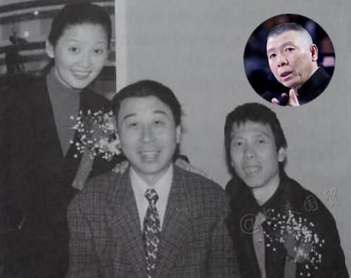 好年轻!网友曝光冯小刚夫妇婚宴与冯巩旧照