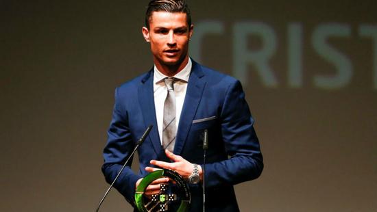 C罗领取葡萄牙年度最佳奖项:没有队友就没奖杯
