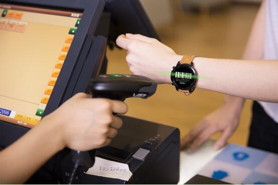 Pacewear接通微信支付 首家在智能手表端支持三大主流移动支付