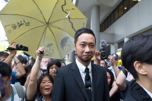 """香港""""占中""""分子涉嫌袭警入狱 或与七警关一处"""