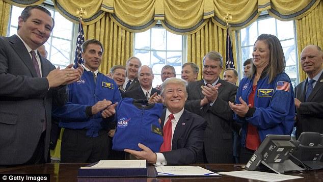 特朗普为NASA拨款近200亿美元 助宇航员登陆火星