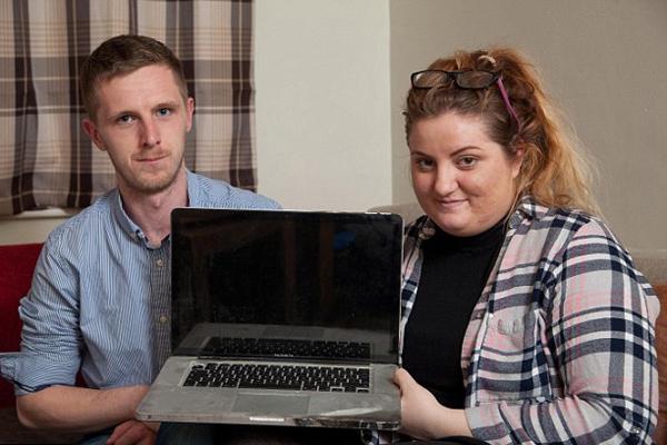 英女子苹果电脑充电时酿火灾索赔两年未果