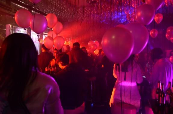 拼K联手MOK丨一场数百人参与的情人节狂欢,点燃成都社交之夜