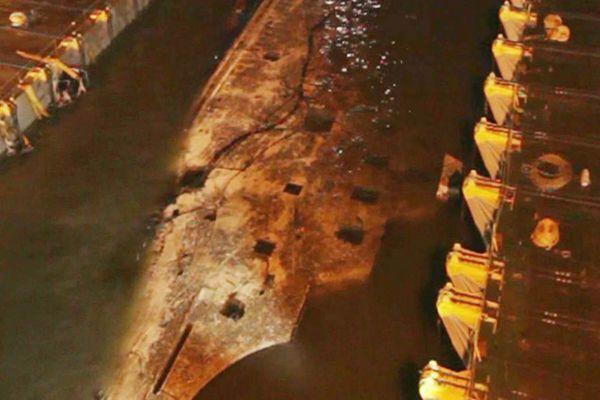 """韩""""世越号""""沉没3年后在中方帮助下浮出水面"""