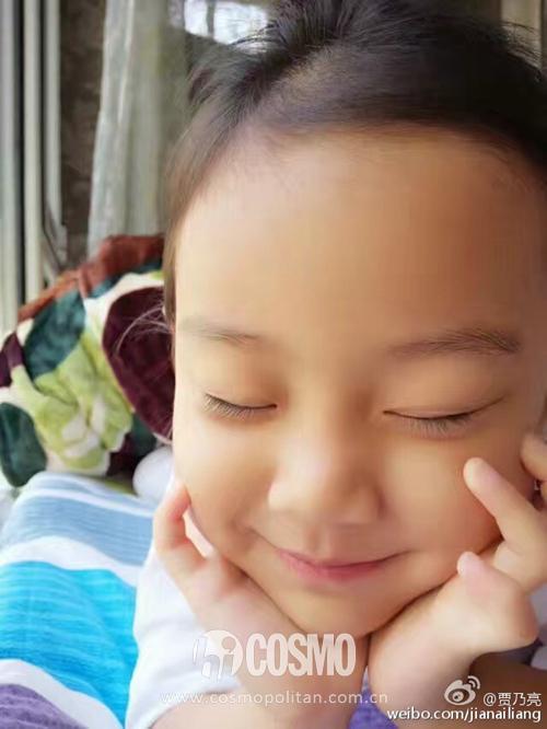甜馨越来越温柔 盘点那些可爱的小小星二代