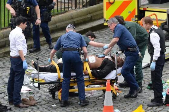 英国议会大厦外恐袭:警方公布肇事者姓名