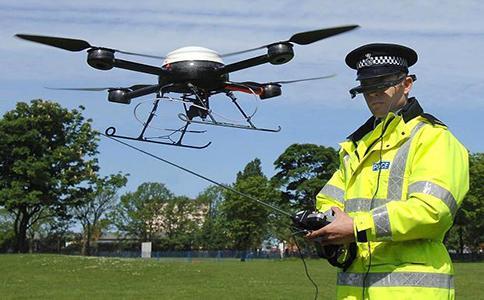 英国成立首支全职警用无人机部队:引发警队内部与民众争议