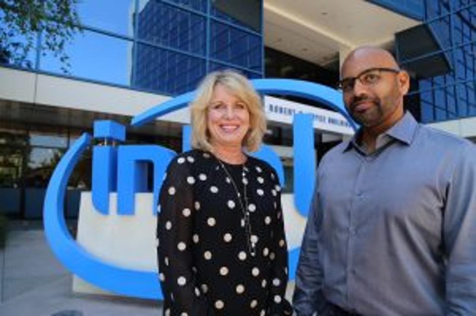 英特尔发力成立AI产品群组 直接向CEO汇报