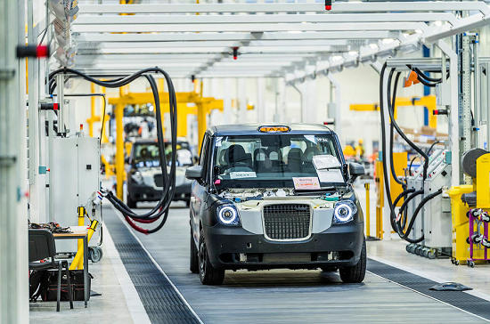 吉利英国电动出租车工厂投产 年产能逾2万辆