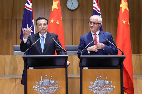 李克强与澳大利亚总理特恩布尔共同出席记者会