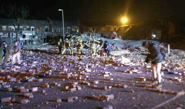 """大街变""""战场""""!英舞蹈学校爆炸致32伤 含15名中餐馆顾客"""