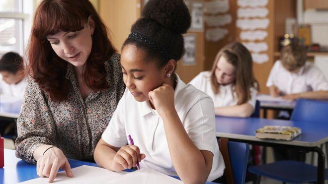英国教师培训课程人数下降 教师招募愈发困难