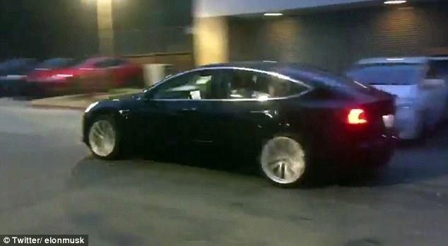 特斯拉Model 3蓄势待发 马斯克公开测试版视频