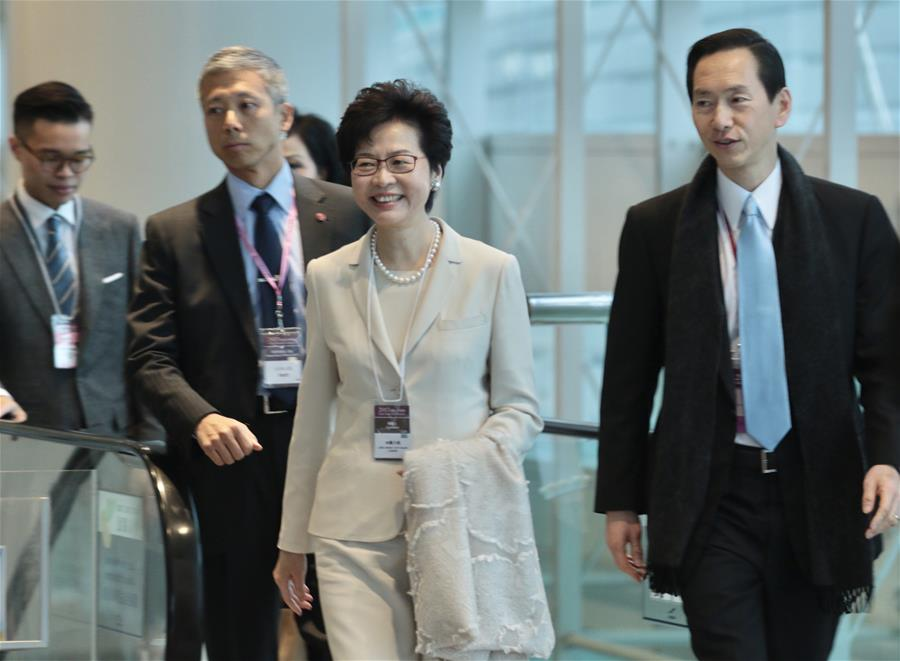 林�月娥在香港特�^第五任行政�L官