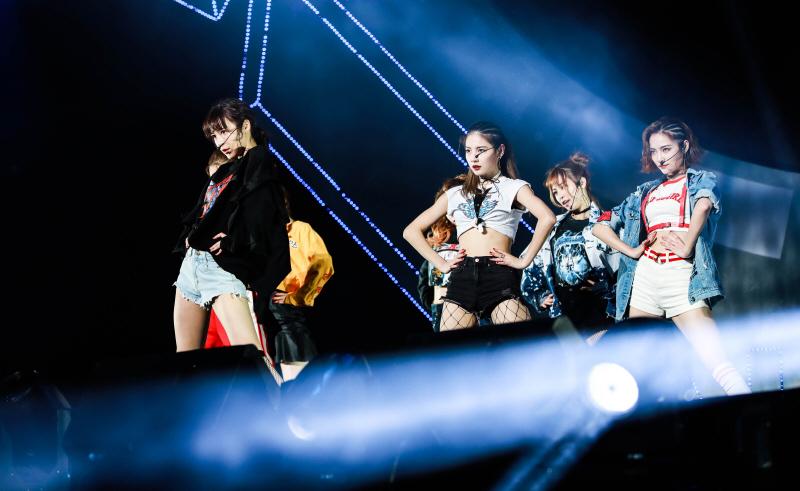 SNH48连获三奖 国际化小分队7SENSES完美首秀