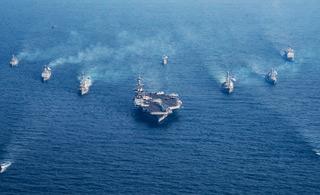 吓唬朝鲜?美韩军舰组成航母混合编队秀武力
