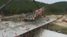 湖北一工地发生脚手架垮塌