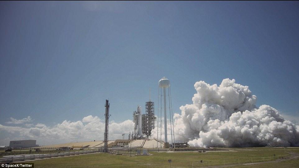 Space X即将重启活动 准备再次发射火箭