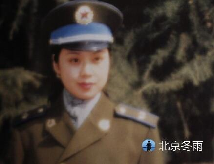 女大十八变!闫妮27年前军装照曝光 肤白貌美超清纯