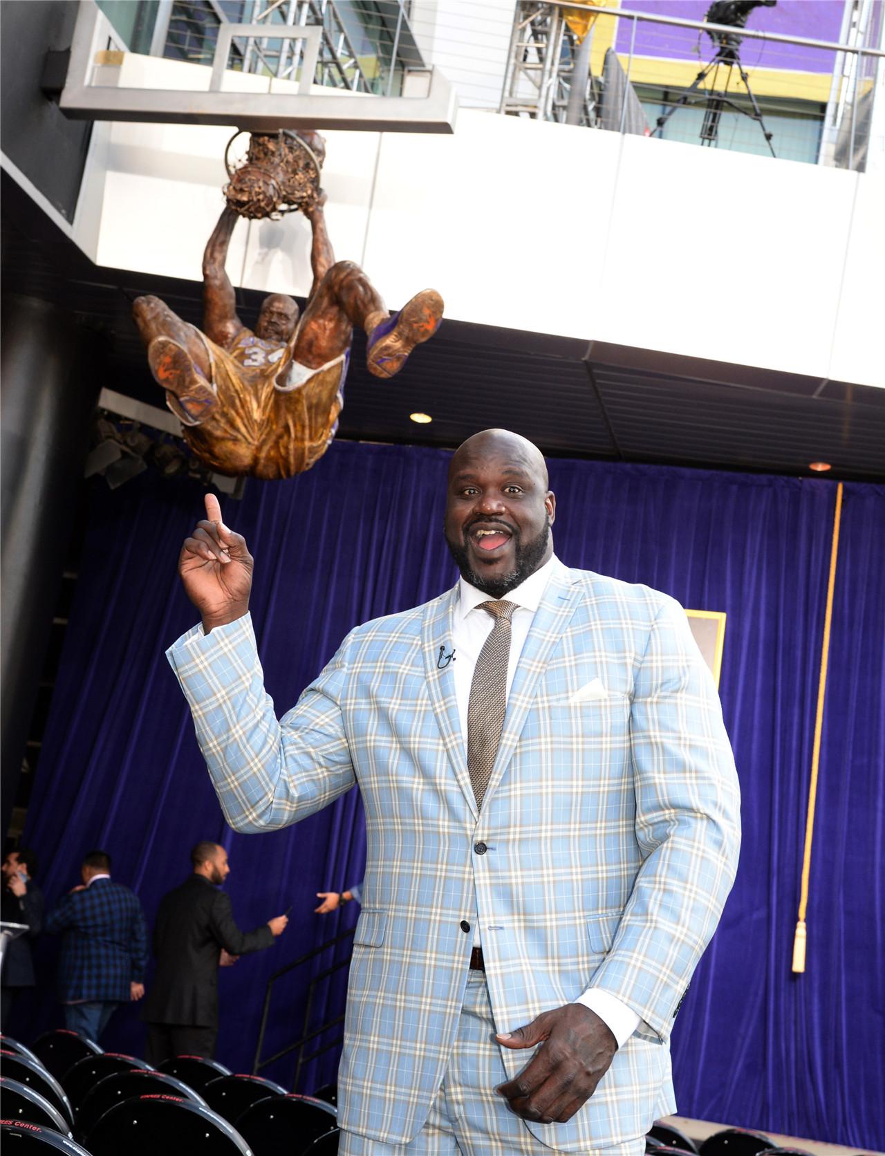 盘点NBA铜像:湖人传奇扎堆 科比