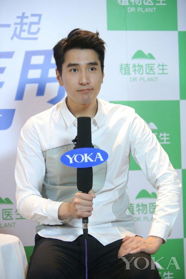 笑cry!YOKA专访:原来你是这样的赵又廷!
