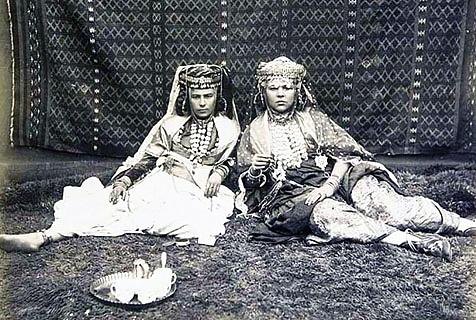 百年前相册揭开19世纪非洲土著生活