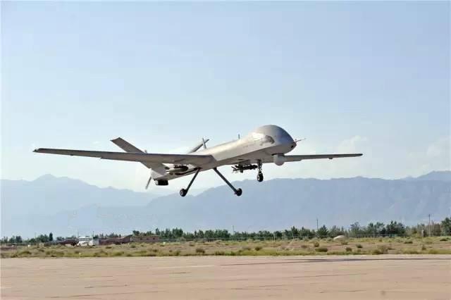 港媒:阿联酋将翼龙无人机投入实战 计划买彩虹4