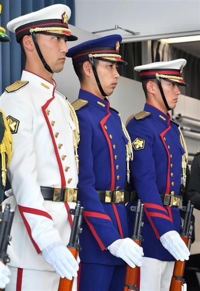 日本陆上自卫队时隔52年更换仪仗队服饰