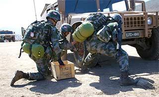 中国代表团和欧美军校同场竞技