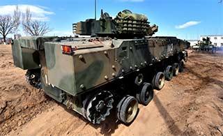 坦克维修车为步兵战车换履带
