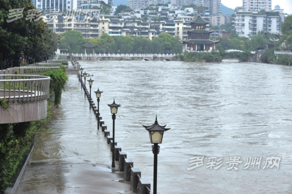 南明河综合治理工程过半 母亲河正恢复生机