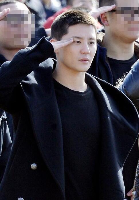 JYJ俊秀欠税千万被禁出国?公司否认