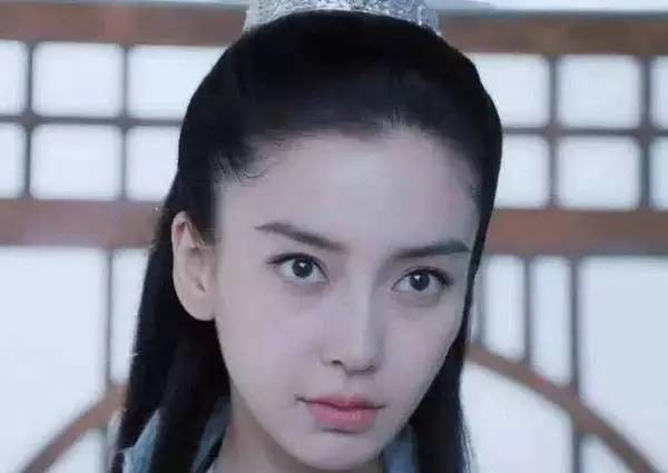 范冰冰不带美瞳照片_如何选择美瞳颜色款式   关于选美瞳颜色和款式这件事上,我相信范冰冰