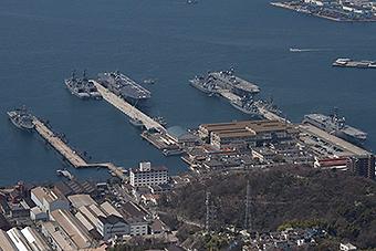 日本海自三艘两栖舰罕见同框