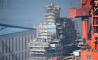 国产航母高清图爆出建造进展迅速