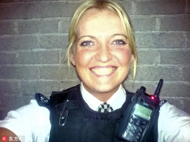 英国女警涉毒品交易被捕 性感照网络走红