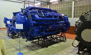 俄罗斯船用柴油机工厂内部探秘