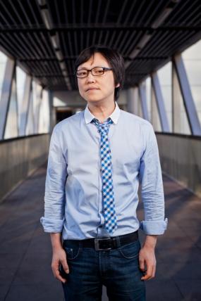 蓝港互动CEO王峰:一半是悍匪,一半是书生