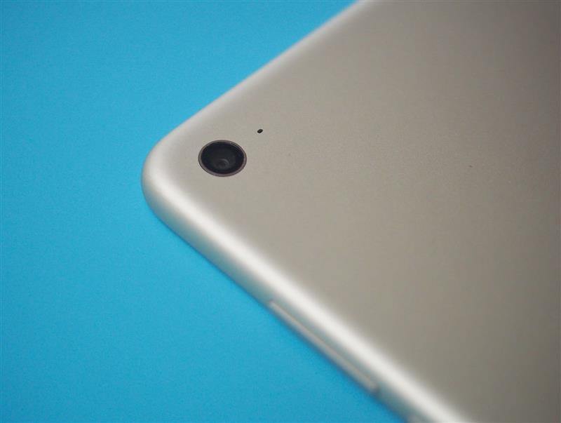 28克的重量(iPad mini 4 约为 300 克)和 6.95 毫米(iPad mini 4 为 6图片