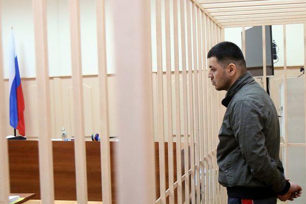 俄地铁站爆炸案开庭 策划者铁栏后受审